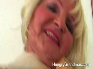 角質金發奶奶肛門他媽的年輕