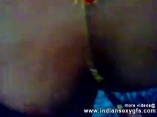 印度kolkata desi bhabhi胸部吸吮和指法的鄰居indiansexygfs.com