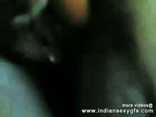 印度desi女孩他媽的與她的叔叔在hotelroom indiansexygfs.com