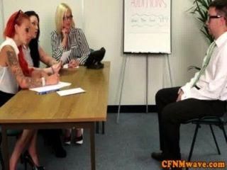 女性辦公室夫人和諧統治牽引