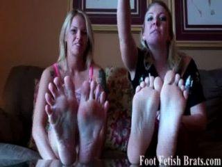 我們知道你想要我們的腳