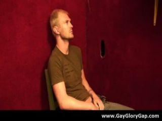 同性戀硬核gloryhole性色情和討厭的同性戀手活18