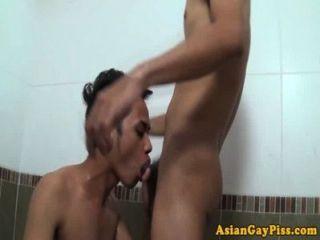 小便戀物癖亞洲人愛肛門在浴缸裡