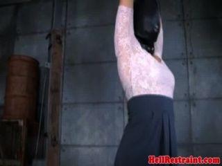 感官剝奪的護士受到懲罰