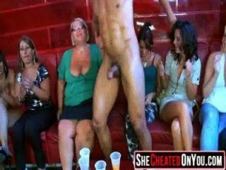 12欺騙妻子在地下他媽的派對狂歡!