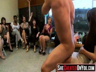 08作弊妓女在cfnm party61的脫衣舞