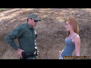 热红头发青少年他妈的边境巡逻1 1