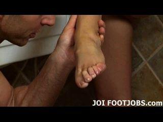 用我的油脚刺激你的肥猪