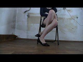 你锁定我的厕所,无情地让我穿过双腿绝望
