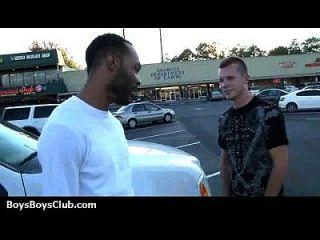 肌肉黑色的小伙子他妈的同性恋白色twink男孩16