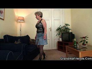 老奶奶双穿