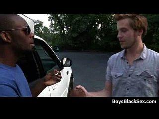 白色性感的twinks撞击了我的黑色男同性恋者21