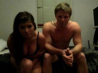 兄弟他妈的女孩在他的室友p1前面的凸轮 性别