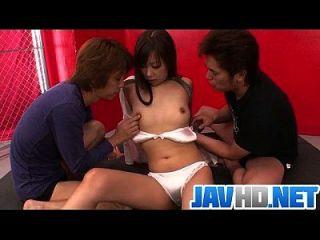 令人惊讶的帮派狂热的日本宝贝在热