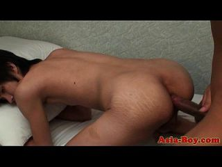 亚洲青少年有一点肛门乐趣