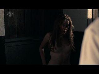 夏洛特斯潘塞裸体裸体和性– 胶(2014)s1e5 hd720p