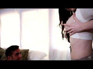 性感的女学生kendall karson吸吮和乘坐一个大公鸡eroticvideoshd.com