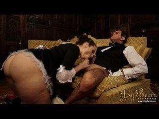 joybear殴打女仆