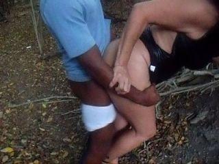 esposa latina puta cogida delante del cornudo