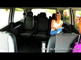 黑色出租车司机他妈的年轻青少年