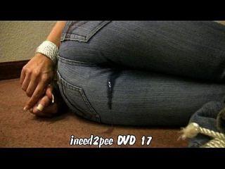 ineed2pee拖车12个女孩撒尿裤的裤子内裤