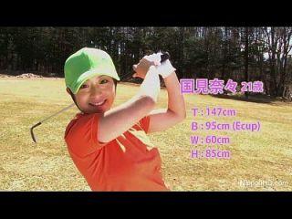 亚洲青少年女孩打高尔夫球裸体