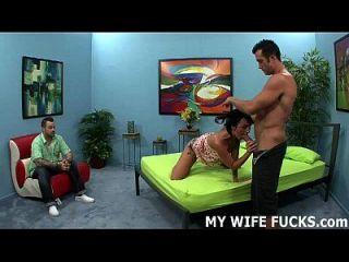 记录你的妻子,当她被一个陌生人他妈的