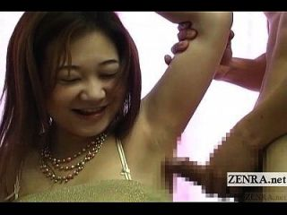 字幕cfnm奇怪的日本手淫通过腋下