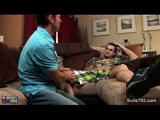 性感的同性恋得到嘴和屁股钉