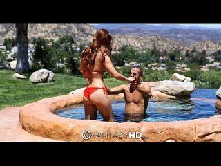 fantasyhd karlie montana和丹妮他妈的游泳池