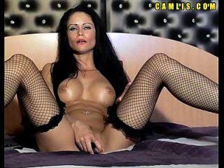 看着角质的凸轮女孩手淫她的湿猫和屁股一个大假阳具