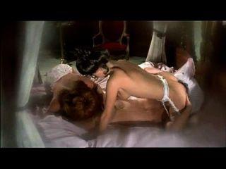 狮子的征兆(1976)性爱场景中的热老式三重奏1