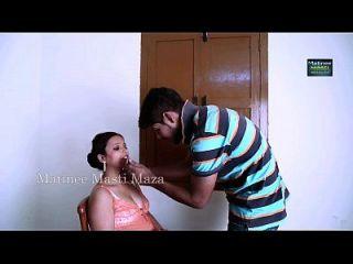 印度女演员热恋与男孩
