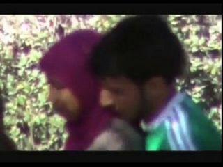www.indiangirls.tk夫妇在公园mms快乐的doiing
