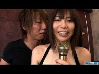 karen natsuhara使用大鸡巴粉碎她的阴道