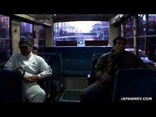 日本巴士他妈的yayoi yoshino scene2拖车
