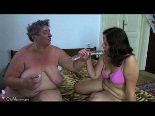 老公娘胖胖的女士手淫与玩具