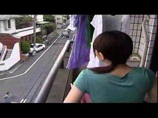 日本妻子与丈夫作弊,它不是一个有趣的视频它的作弊妻子性感