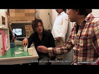 亚洲杂货女士被男孩奶油