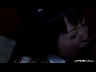 亚洲学校的女孩狠狠的在胖子里吮吸