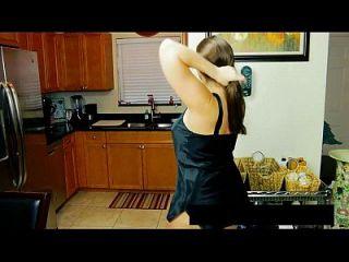 妈妈妈妈妈妈不是她的儿子更多的视频在www.69sexlive.com上