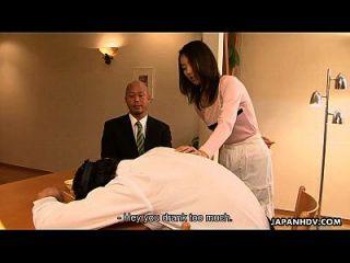 亚洲荡妇ut ui在家里对她的男人作弊