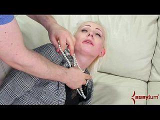办公室女士教了一个残酷的肛门课