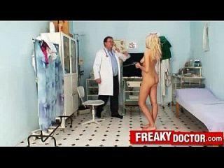 美丽的捷克金色天使wicky有趣的阴道考试