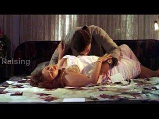 印度女孩充满浪漫www.antarasagi.com(720p)