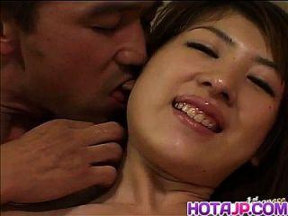 具有长指甲的日本av模型被吸的阴茎泵送