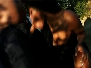 黑妓女口交在汽車
