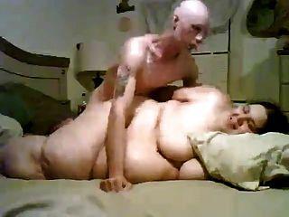 瘦的傢伙他媽的他超大小的脂肪bbw前女友