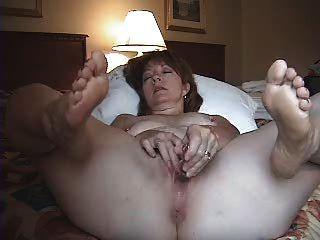 妻子在酒店房間