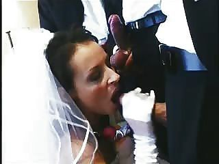 噢哦!新娘他媽的和吸的方式通過整個新娘黨在婚禮的夜晚!請給出意見!